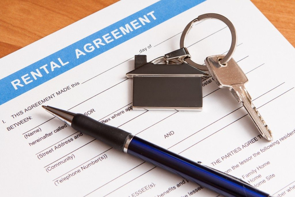 Close up of lease agreement empty document with pen